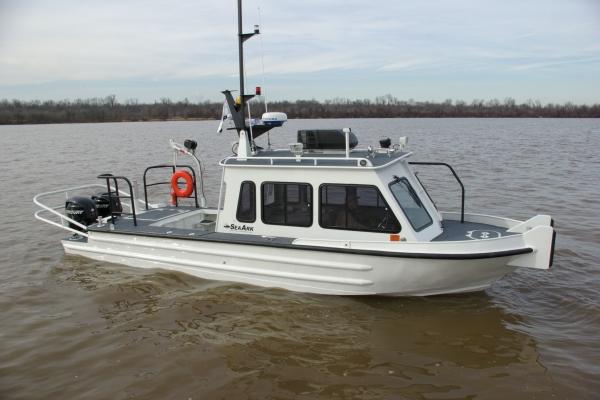 27 Commander St Lawrence Seaway.jpg